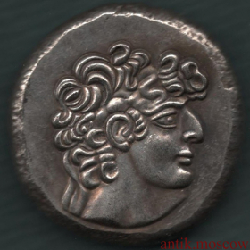 Монета Правитель на троне в винограде
