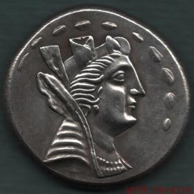 Красивая античная монета под серебро