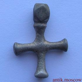 Крест наперсный начало 14 века Серебро
